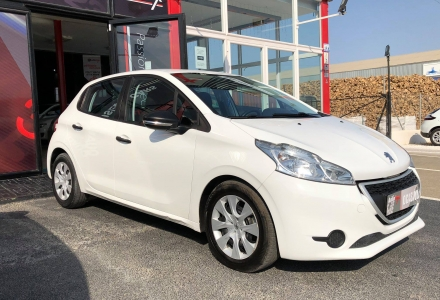 Peugeot 208 BUSINESS LINE 1.4HDI (R1633)